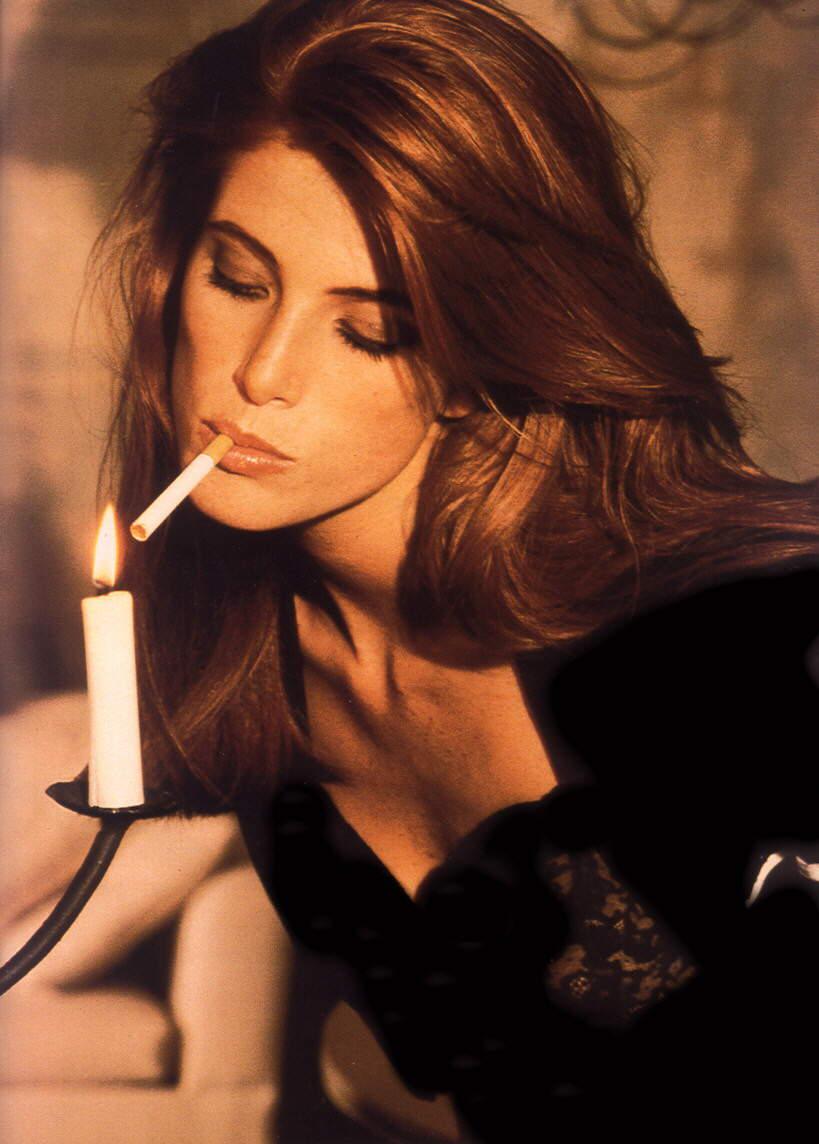 angie everhart smoking